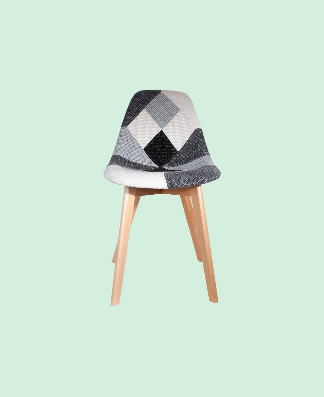 chaise scandinave patchowork grise vue de face
