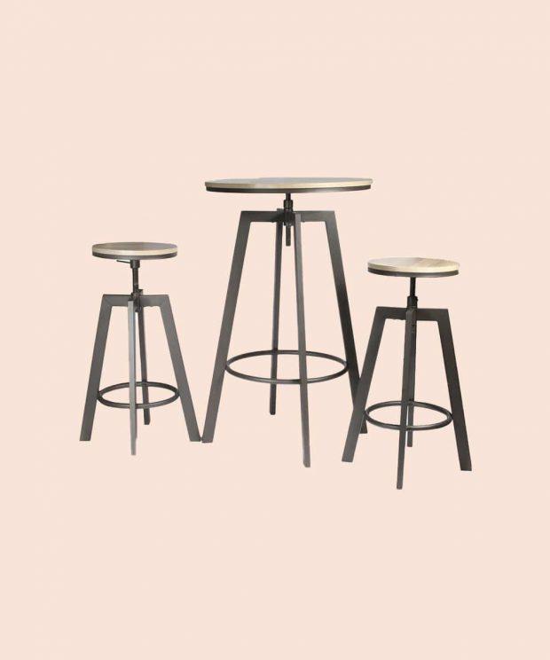 table mange debout et ses deux chaises vu de face